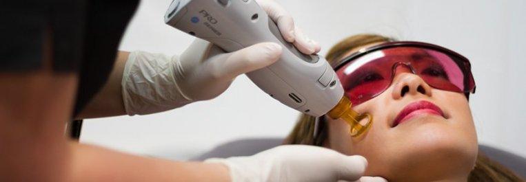 على ماذا يجب الانتباه بعد عملية إزالة الشعر بالليزر؟